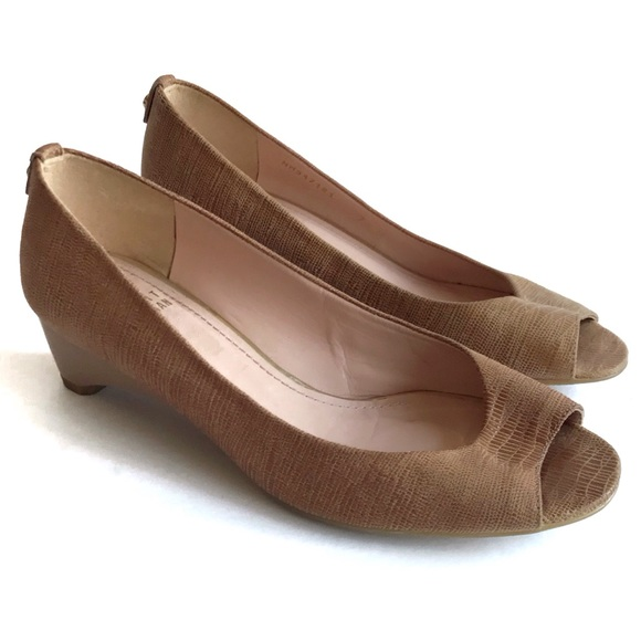 Stuart Weitzman Tan Embossed Lizard Peep Toe Wedge
